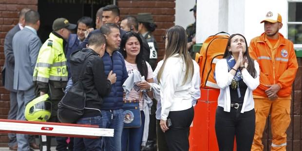 El terrorismo sacude a Bogotá con un sangriento atentado en una escuela policial