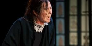 Kuliok, actriz de carácter, impecable en el rol de esta madre sola.