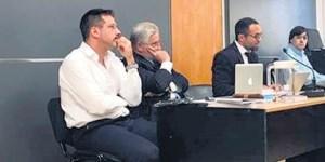 A la izquierda, el médico acusado Leandro Rodríguez Lastra.