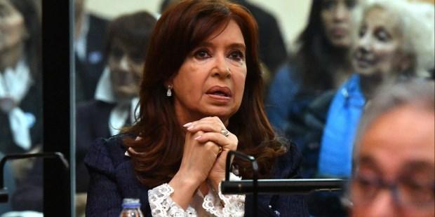 Comenzó a las 12.13 el primer juicio oral y público a la ex presidenta por el supuesto direccionamiento de la obra pública vial en Santa Cruz durante sus dos mandatos.