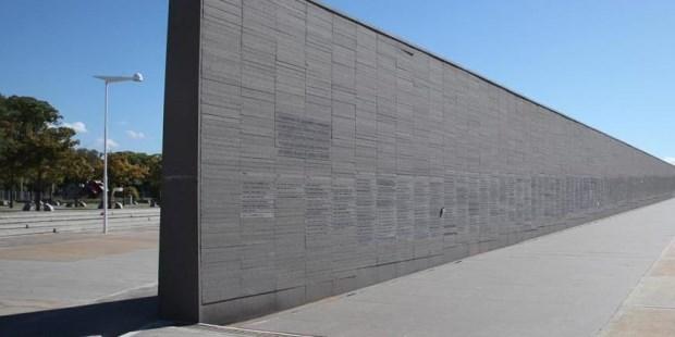 Exigen remover del Parque de la Memoria a otros terroristas