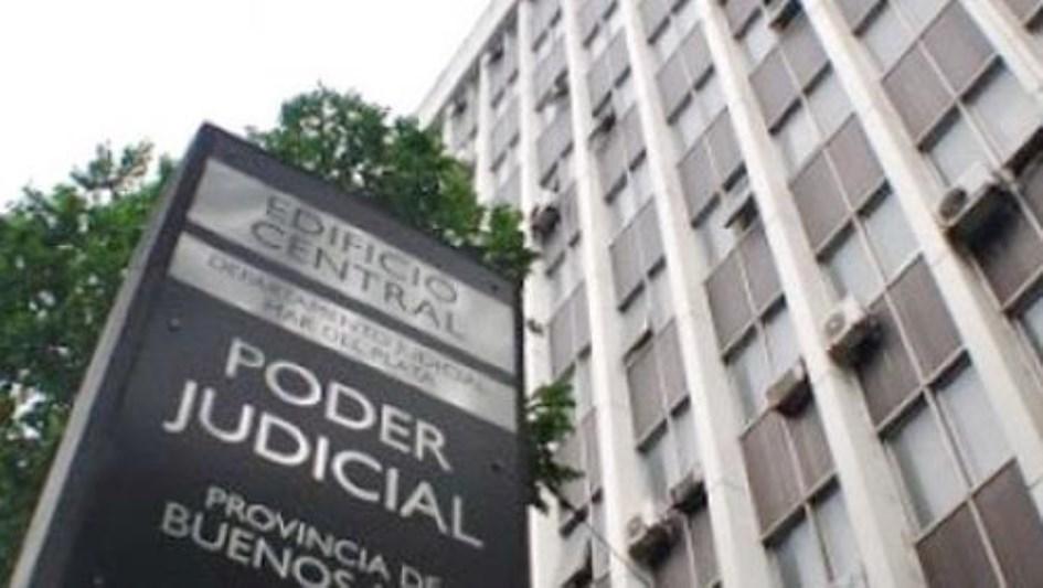 El gobierno bonaerense comenzó a evaluar con los judiciales una mejora salarial