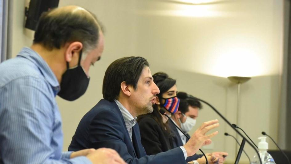 Trotta entregó 370 netbooks en Vicente López