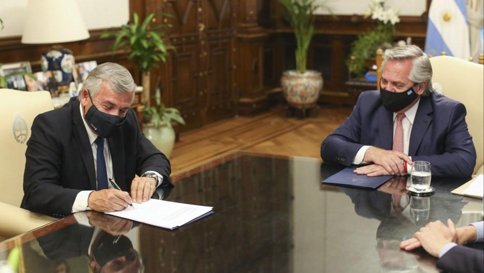 El Presidente firmó el Consenso Fiscal 2020 con Gerardo Morales
