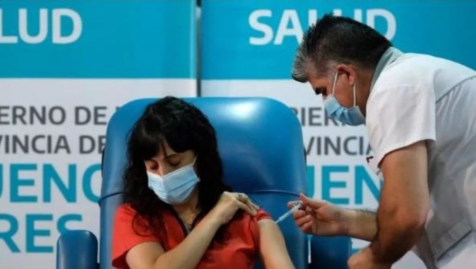 El Gobierno habilitó la plataforma de registro para la vacunación de docentes