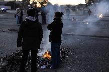 Una protesta de los vecinos de la villa 31 de Retiro complicó la salida de los micros
