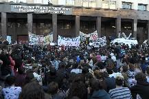 Los estudiantes porteños decidieron mantener la toma de las escuelas