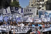 Los docentes bonaerenses amenazan con paros y marchas si no llegan a un acuerdo salarial con la Provincia