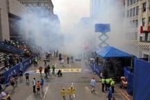 El maratón de Boston terminó en una tragedia: dos muertos y más de 80 heridos por la explosión de tres bombas
