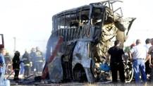 Mendoza: al menos 17 muertos y 14 heridos en un accidente frontal entre un colectivo y un camión