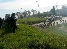 Al menos 13 heridos y dos detenidos tras el desalojo de un corte en el Camino del Buen Ayre