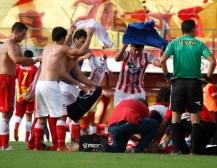 El fútbol argentino otra vez de luto: falleció un jugador tras descompensarse en la cancha
