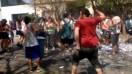 Pilar: un hombre atacó con un palo a un grupo de egresados que festejaban en la calle