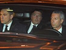El primer ministro italiano permanecerá en el cargo hasta que se apruebe el presupuesto