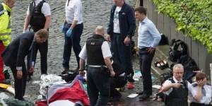 """Cuatro personas murieron y más de 40 resultaron heridas en el atentado """"del terrorismo islamista"""" frentre al parlamento británico."""
