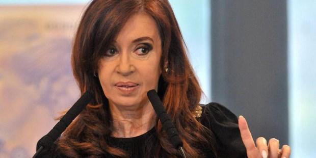 El juez Bonadio envió a juicio oral y público por la causa de dólar a futuro a la ex presidenta Cristina Fernández de kirchner.