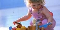 Son muchos los factores que influyen para proteger o perjudicar tanto el crecimiento como el desarrollo de un niño: factores genéticos, hereditarios,