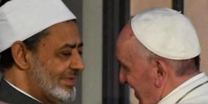 El Papa con el gran imam Al Tayeb.