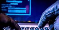 Urge difundir y educar sobre seguridad informática. El usuario ignora los riesgos de utilizar el wifi público o conectarse con su notebook en un bar,