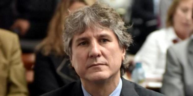 El ex vicepresidente y ex ministro de Economía está siendo sometido además a otro juicio oral por la adulteración de papeles de un auto.