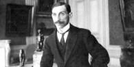 Rosenberg vivió entre 1881 y 1959 y repartió su trayectoria entre Europa y Estados Unidos.