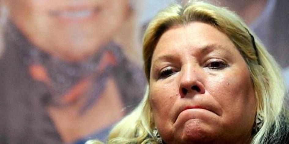 """Entregada a la campaña bonaerense, Carrió pidió votos para """"ganarle por paliza"""" a Cristina"""
