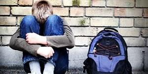 Indefensos en la escuela y redes sociales