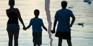 Padres divorciados: cómo evitar que las vacaciones sean motivo de tensión