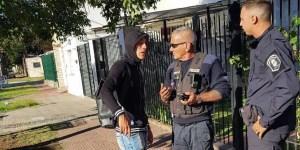 El futbolista de Racing Club, Ricardo Centurión, pasó dos semáforos en rojo y se negó a hacerse un control de alcoholemia, por lo que la policía de La