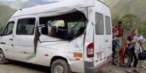Una turista argentina murió cuando una roca impactó su camioneta en una ruta de Perú