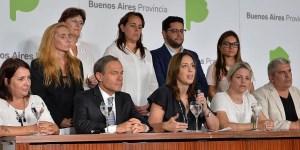 La gobernadora Vidal junto a Ferrari, presentaron oficialmente las reformas judiciales durante una conferencia el pasado 12 de abril.