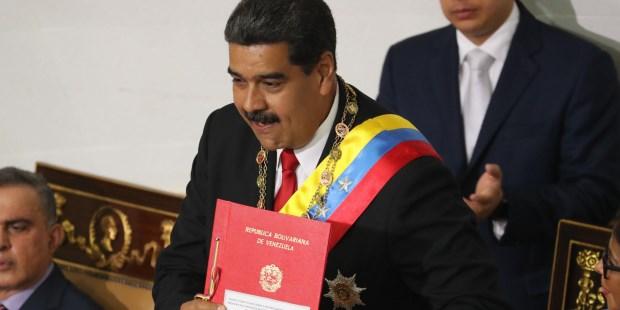 Maduro juró como presidente ante la Constituyente