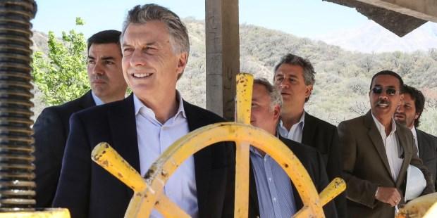 """En Salta Macri lamentó el """"olvido"""" de los anteriores gobiernos """"en el desarrollo regional"""""""
