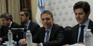 El Presupuesto de Dujovne luce probable sólo bajo un supuesto de tipo de cambio a 43 pesos por dólar a fin de 2019.