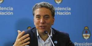 El ministro de Economía, Nicolás Dujovne se regodeó ante los medios para que lo escucharan los mercados.