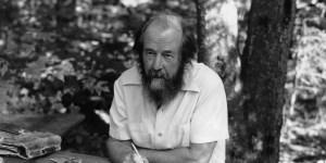"""Expulsado en 1974, Alexander Solzhenitzyn buscó toda su vida """"regresar a Rusia""""."""