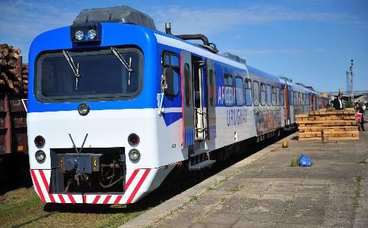 El tren binacional Argentina-Uruguay chocó contra un auto en Concordia