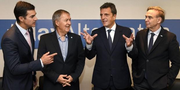 0e5ddefd7 La temporada alta de las precandidaturas fue inaugurada por Cristina  Kirchner hace apenas ocho días con una fantasía inédita  armar una fórmula  con el poder ...